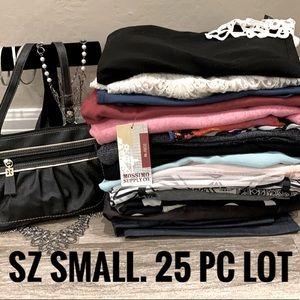 25 pc Womens clothes lot Bundle Size Small